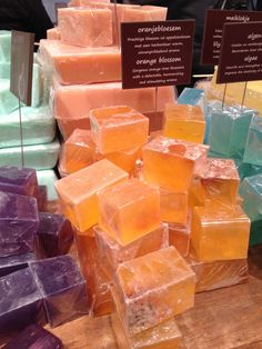 HOW TO MAKE ORGANIC SOAP IN 10 EASY STEPS