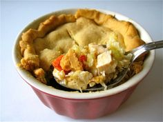 Organic Chicken Pot Pie Recipe   Great For the cold Winter nights coming up!  http://wholelifestylenutrition.com/recipes/maindish/organic-chicken-pot-pie-recipe/