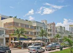 South Beach Art Deco National Historic District in Miami Beach, FL Art Deco Hotel, Miami Art Deco, Visit Florida, Florida Usa, Art Deco Buildings, South Beach Miami, Beach Art, Architecture, Decoration