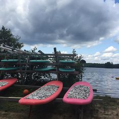 Calm before the storm  @campwinnebagoe #sup #standuppaddle #summerweekend #summercamp #overnightcamp  #campwinnebago #huntsville #lakeofbays #summerholiday #momlife #momblog #canadianmom #ontario #overcast #cottagecountry #momresourceca