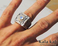 Silver  Mandala Ring 18K Gold Moonstone sapphire  hand by KalaKali, €260.00