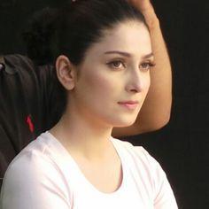 Aiza khan - Masahallah she is very beautiful. Pakistani Models, Pakistani Girl, Pakistani Actress, Bollywood Actress, Beautiful Celebrities, Beautiful Actresses, Beautiful Women, Beautiful Eyes, Mahira Khan Pics