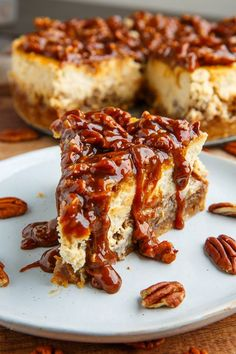 Pecan Pie Cheesecake with Pecan Caramel Sauce Closet Cooking, Rich, Easy Amazing Southern Pecan Caramel Sauce Daily Cooking Recipes, Pecan Pie Cheesecake, Cheesecake Recipes, Dessert Recipes, Cheesecake Toppings, Food Cakes, Cupcake Cakes, Cupcakes, Bundt Cakes, Pecan Pie Filling