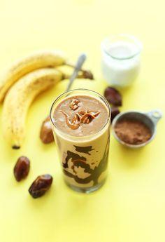 HEALTHY 5 ingredient Peanut Butter Banana Milkshake! So creamy chocolatey and delicious! #vegan #glutenfree #recipe #smoothie #minimalistbaker