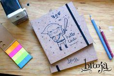 Artículo Único  Sketchbook Link Formato: 15x15 cm 72 hojas  Papel bond ahuesado 90 gr  Pasta blanda papel kraft sena  #brooja #sketchbook #notebook #kraft #libreta #cuaderno #design #diseño #illustration #ilustración #sharpie #suupergirl