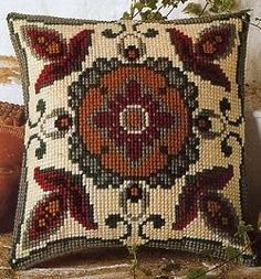 Imagen relacionada Mosaic Drawing, Cross Stitch Pillow, Needlepoint Pillows, Textile Art, Cross Stitch Patterns, Decorative Pillows, Needlework, Knit Crochet, Cushions