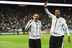 """Jô vê Corinthians de Carille no padrão europeu: """"É difícil fazer gol na gente"""" #sportv"""
