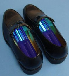 Ultraviolet Shoe Sanitizers  Deodorizer kill germs fungi. The best thing… if you squint the look like the #Tardis. Home Gadgets, Gadgets And Gizmos, Tech Gadgets, Cool Technology, Technology Gadgets, Inspector Gadget, Really Cool Stuff, Awesome Things, Future Tech