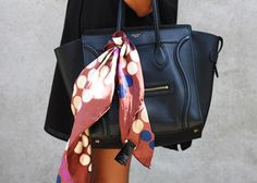 Il foulard è un accessorio di tendenza. Scopri 5 originali modi per indossare il foulard e abbinarlo con stile.