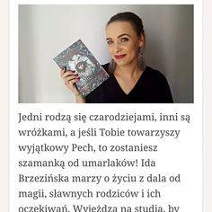 """Na blogu czeka na Was moja recenzja dla @wydawnictwo_uroboros  """"Szamanka od umarlaków"""" autorstwa @martyna.raduchowska to książka idealna na wakacyjny odpoczynek.  A Ty co najczęściej czytasz? Jaki gatunek? Jest tu ze mną więcej fanów fantasy?  #czytamzuroboros #czytambolubie #ksiazki #książki #książka #ksiazka #book #books #uroboros #fantasy #youngadult #bookaddict #bookoholic #bookoholic  #polska #poland #poznań #poznan #kakaludek #polishgirl"""