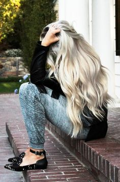Oh me and my  dream of going blonde... And this may be an accurate picture of what my roots would look like...