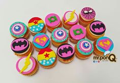 cupcakes super heroes mujer - cupcakes women super hero - Visit to grab an amazing super hero shirt now on sale! Girl Cupcakes, Birthday Cupcakes, Super Hero Cupcakes, Bday Girl, Girl Birthday, Girl Superhero Party, Batman Party, Disney Cars Birthday, 6th Birthday Parties