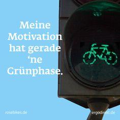 So geht's: Teile eines der Bilder in einem sozialen Netzwerk und nimm am Gewinnspiel teil! Mit etwas Glück gewinnst Du ein MULTITRACK-3 E-Bike. Zusätzlich sichert ROSE Bikes Dein Rad mit einer Fahrradversicherung ab.  #Lebengenießen #cycleyourway