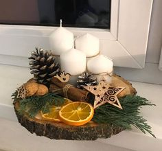 Christmas Decor Diy Cheap, Christmas Candle Decorations, Christmas Arrangements, Christmas Swags, Christmas Pebble Art, Christmas Wood, Christmas Time, Christmas Crafts, Christmas Ornaments