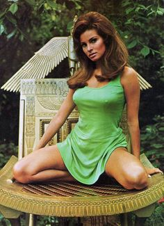 Raquel Welch in Short Green Dr. is listed (or ranked) 1 on the list The 20 Hottest Raquel Welch Photos of All Time Rachel Welch, Beautiful Celebrities, Most Beautiful Women, Beautiful Actresses, Hot Actresses, Olivia De Havilland, Rita Hayworth, Seinfeld, Pin Up