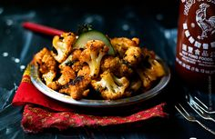 Roasted Cauliflower and #Sriracha Bites — #Food #Recipe via @spiciefoodie