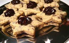 Hvězdičky stračatela Vynikající vánoční cukroví. Do těsta přidáme nastrouhanou tmavou čokoládu a chuť je fenomenální. Christmas Sweets, Christmas Baking, Christmas Cookies, Shortbread Cookies, Cupcake Cookies, Czech Recipes, Just Eat It, Desert Recipes, Nutella