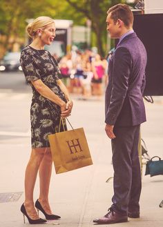 """Kelly Rutherford & Ed Westwick - """"Gossip Girl"""" set (August 17, 2012)"""