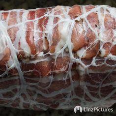 Sonntag!  . . . #sunday #pork #foodporn #linz #igersaustria #home #cooking #schwein #speck #falscherhase #visitaustria #vienna #oldschool #kaiser #recipe #secretspot #braten #kochen #weekend #rain #backstage #kitchen #traditional #foodphotography #bio #fastvegan