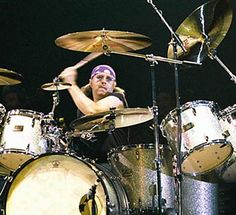 Ian Paice on Drums Deep Purple Drums Electric, Pearl Drums, Local Bands, British Rock, Custom Guitars, Drum Kits, Rock Legends, Indie Music, Historical Romance