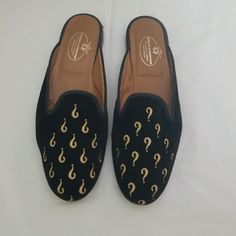 Black With Gold ? Size Worn Twice. Question Mark, Tory Burch Flats, Mules Shoes, Black Gold, Clogs, Color Black, Loafers, This Or That Questions, Products