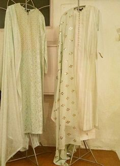 brings the crafts of chikankari and kamdani alive on summer perfect cotton pastels at Hauz Khas Village Indian Suits, Indian Attire, Indian Ethnic Wear, Indian Dresses, Kurta Designs, Blouse Designs, Salwar Kurta, Sharara, Stylish Suit