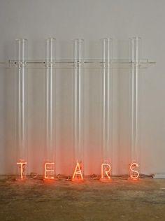 Tears, 2007 meth-acrylate and luminous neon cm. 134 x 140 x 31,5