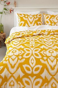 dekbedovertrek Cute Bedding, Linen Bedding, Bed Linen, Ikat Pattern, Fabric Patterns, Ethnic Bedroom, House On Wheels, Bedroom Decor, Bedroom Ideas