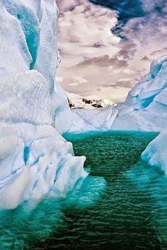 ice burg beautiful.
