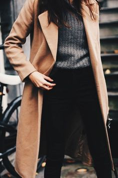 womens outfits styles which looks really trendy. Pastel Outfit, Look Fashion, Winter Fashion, Fashion Coat, Fashion Outfits, 70s Fashion, Fashion History, Ladies Fashion, High Fashion