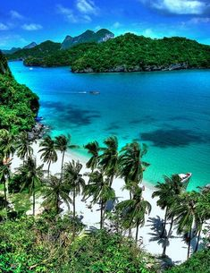 Exclusive Tropical Honeymoon Destinations ★ tropical honeymoon destinations thailand a beach and roc Beautiful Islands, Beautiful Beaches, Dream Vacations, Vacation Spots, Places To Travel, Places To See, Honeymoon Destinations, Honeymoon Trip, Romantic Honeymoon