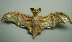 Xidni's Bat brooch!! STUNNING~!