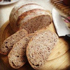 Cavalerul grunjos - pâine cu făină integrală și semințe de in.