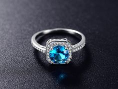 Like and share if you love this Ring 💕 Tag a friend who would love this💜 #rings #ringsofinstagram #fashion #ring