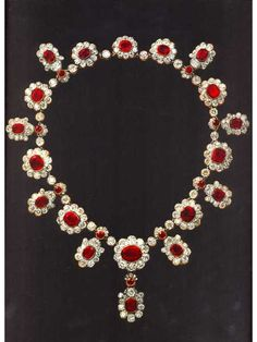 Ruby and Diamond Necklace of Marie Therese Charlotte, the Duchesse d'Angoulême. Part of the French Crown Jewels Royal Crown Jewels, Royal Jewelry, Ruby Jewelry, Diamond Jewelry, Fine Jewelry, Jewlery, Jewelry Box, Thurn Und Taxis, Antique Jewelry