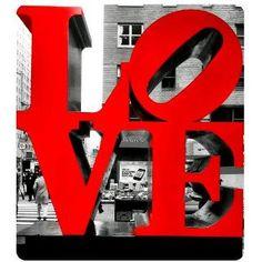 #PANDORAloves Robert Indiana's iconic LOVE pop art sculpture