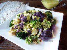Salata de conopida si broccoli cu sos de iaurt cu turmeric