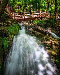 In Österreich gibt es wunderschöne Wasserfälle – und einige davon sind sogar eindrucksvolle Rekordhalter! Alps, Day Trips, Austria, Memories, Instagram, Places, Summer, Travel, Outdoor