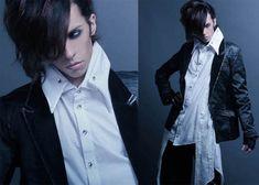 Gothic Fashion For Men http://gothicfashionpictures.blogspot.in/2012/10/gothic-fashion-for-men.html