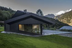 Gallery of Cabin in Chamonix / Pierre Marchand Architects - 1