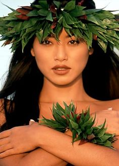 Sung Hi Lee in Hawaii Sung Hi Lee, Beauty Women, Asian Beauty, Bliss, Singing, Faces, Image, Hawaii, Art