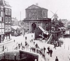 Delftsche Poort (stadspoort) - Wikipedia Rotterdam, Black And White Pictures, Delft, Bulgaria, Big Ben, Paris Skyline, Holland, Funny Pictures, Louvre