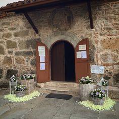 Wedding  Florist arrangements  Country style