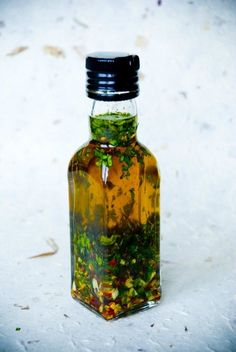 Cilantro Dressing The perfect addition to any variety of salads! Cilantro Dressing, Vinaigrette Dressing, Salad Dressing Recipes, Flavored Oils, Cooking Recipes, Healthy Recipes, Happy Foods, Diy Food, Olives
