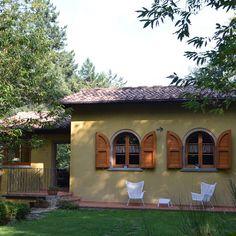 """""""Romantisches Ferienhaus mit Aussenwhirlpool! Mehr Infos hier:www.tuscany-exclusive.it. #toscana #toskana #tuscany #badenimfluss #badenimsee #whirlpool…"""""""