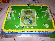 Futbol cake in Delikatessen la Granja Bakery, Nicaragua www.facebook.com/delikatessenlagranja