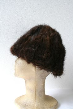 Vintage winter hat, mink fur hat in brown, size 23&quot (58cm), womens winter style, modern style - http://www.minkfur.net/vintage-winter-hat-mink-fur-hat-in-brown-size-23quot-58cm-womens-winter-style-modern-style.html
