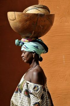 Schaaltje - foto gemaakt in Segou Mali Africa Art, West Africa, African Tribes, African Women, African Beauty, African Fashion, Black Is Beautiful, Beautiful People, Travel Photographie