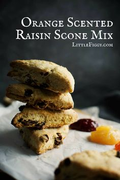This is a great idea for a gift from the kitchen, Orange Scented Raisin Scone Mix recipe! It keeps well & makes a gorgeous scone! Fun Baking Recipes, Healthy Baking, Dessert Recipes, Desserts, Raisin Scones, Scone Mix, Biscuits, Muffins, One Pan Dinner