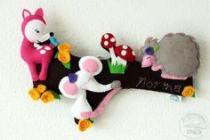 Name banner con animali del bosco in feltro, decorazione o originale fiocco nascita. di Obyshandmade su Etsy https://www.etsy.com/it/listing/186431192/name-banner-con-animali-del-bosco-in